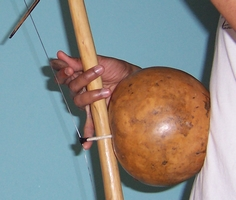 Buzz note of the berimbau